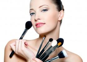 Как сделать белый макияж в домашних условиях