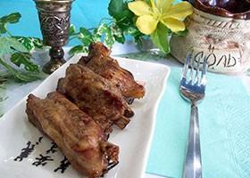 Жареные свиные ребрышки