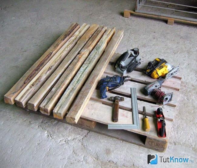 Инструменты для строительства бани из поддонов