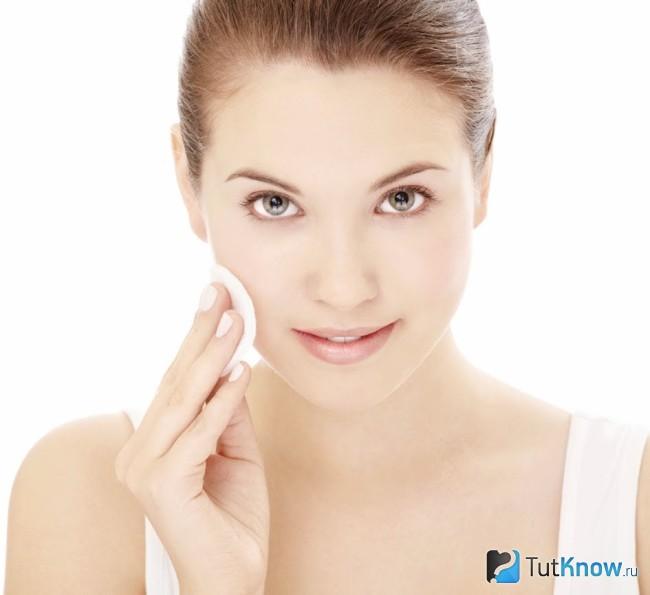 Очистка кожи лица от косметики