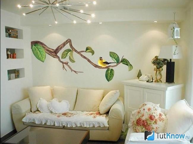 Художественная роспись стен внутри дома