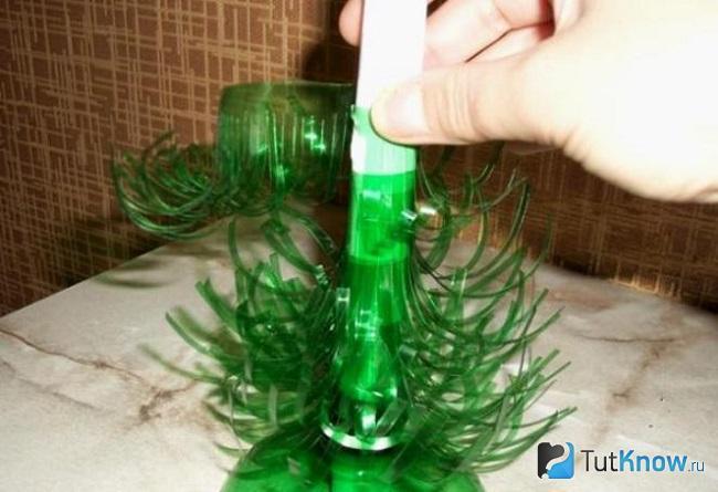 Пошаговое создание ёлочки из пластиковой бутылки