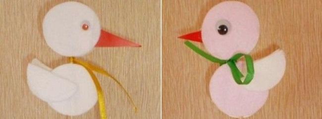 Декорированные птички из ватных дисков
