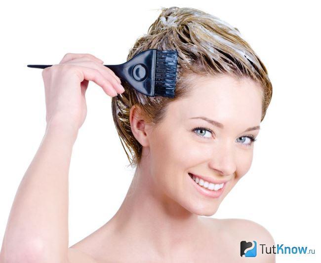 Как вывести желтизну с волос