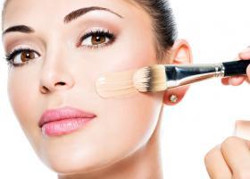 Как наносить тональный крем на лицо спонжем