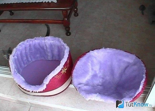 Две мягкие лежанки для кота