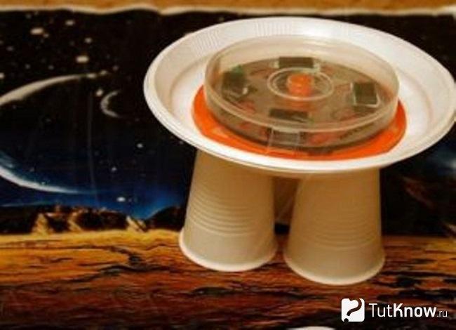 Летающая тарелка из одноразовой посуды