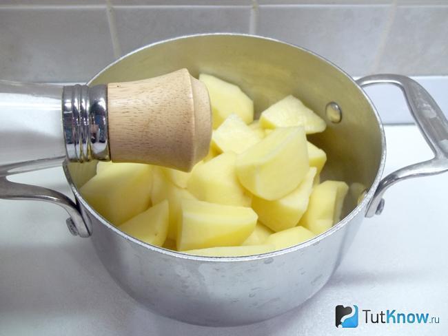 Как сделать вкусную пюрешку с яйцом