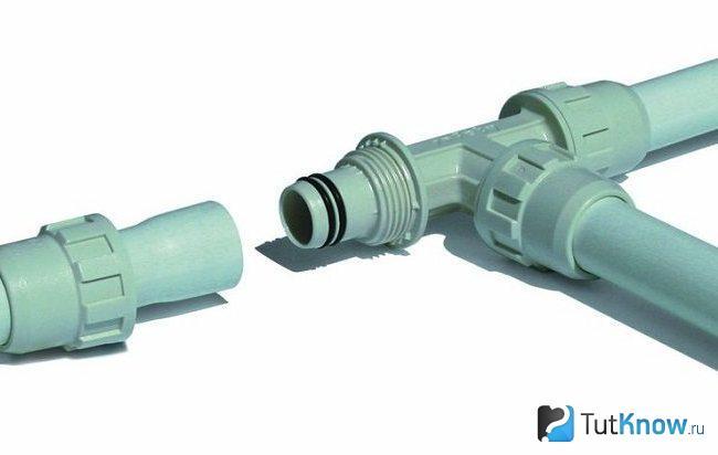 Соединение труб с помощью компрессионных фитингов