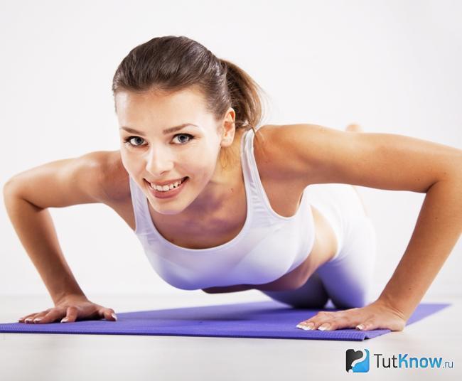 Отжимания для накачки мышц плеч дома